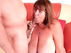 Mature BBW filling her pussy full of cock